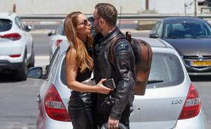 אסיף אלקיים ומעיין אדם מתנשקים (צילום: שוקה כהן)