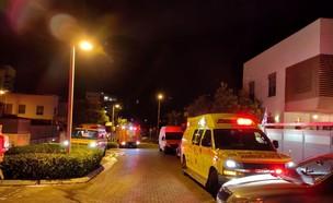 """השרפה ברחובות (צילום: עדן סיני, תיעוד מבצעי מד""""א)"""