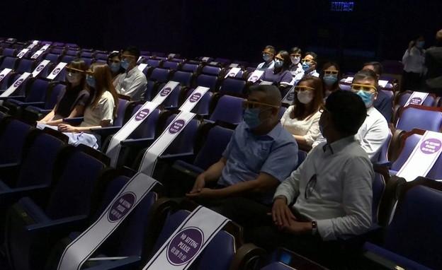 דיסנילנד הונג קונג מתכוננים לפתיחה מחודשת (צילום: רויטרס)
