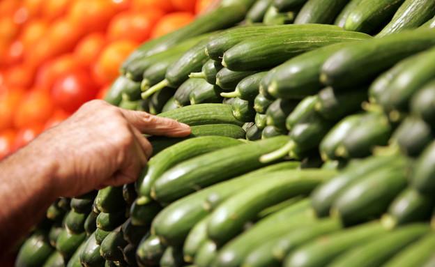 מלפפונים בשוק נתניה (צילום: David Silverman, GettyImages IL)