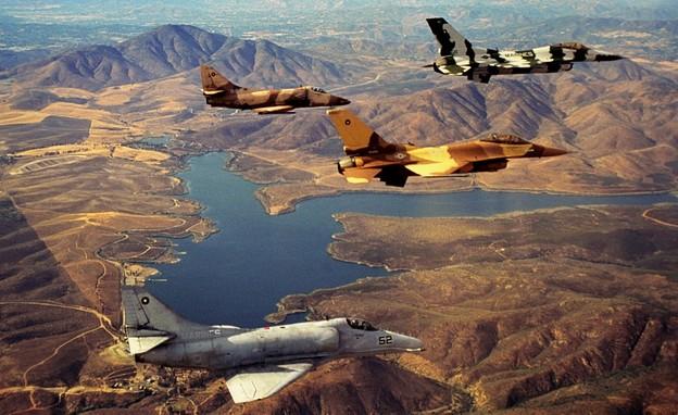 טיסת אימון של טייסת טופ גאן