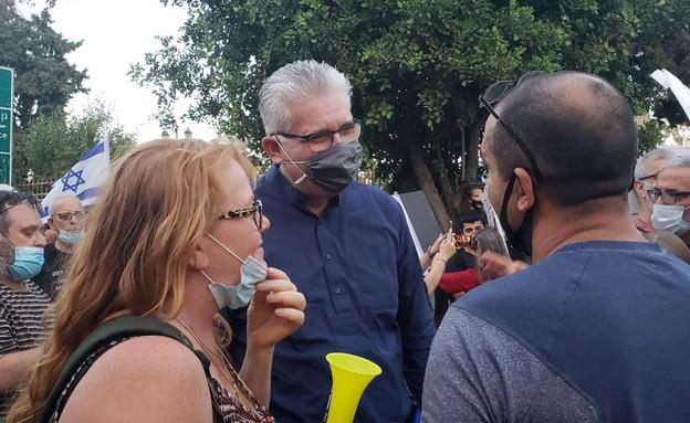 חבר הכנסת אלי אבידר בהפגנה