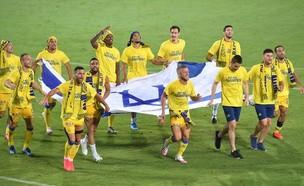 מכבי תל אביב חוגגת (צילום: באדיבות אתר ONE)