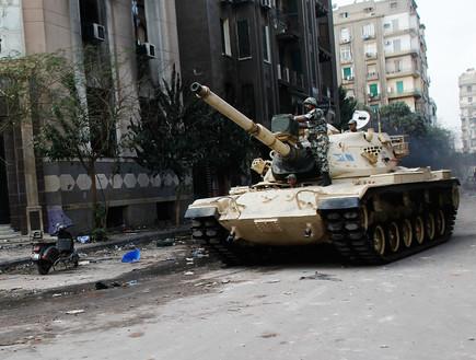 טנק מצרי (צילום: Chris Hondros, GettyImages IL)