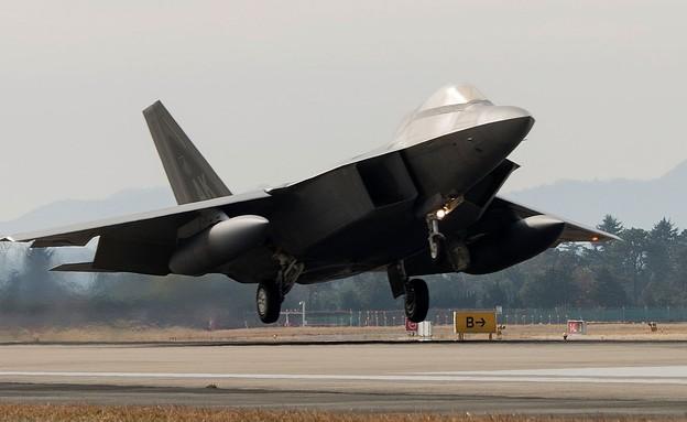 מטוס הקרב ממריא (צילום: Senior Airman Colby L. Hardin/USAF/Getty Images)