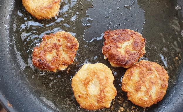 קציצות כרובית ב-3 מרכיבים - במחבת (צילום: דנה בר-אל שוורץ, אוכל טוב)