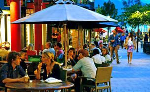 רחוב הומה בניו זילנד (צילום: ChameleonsEye / Shutterstock.com)