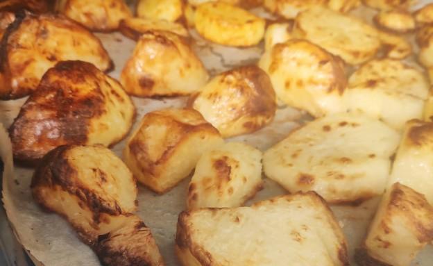 נועה מכינה תפוחי אדמה (צילום: אלון חן)