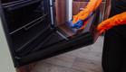 ניקוי תנור (צילום:  Ekaterina Govorina, Shutterstock)