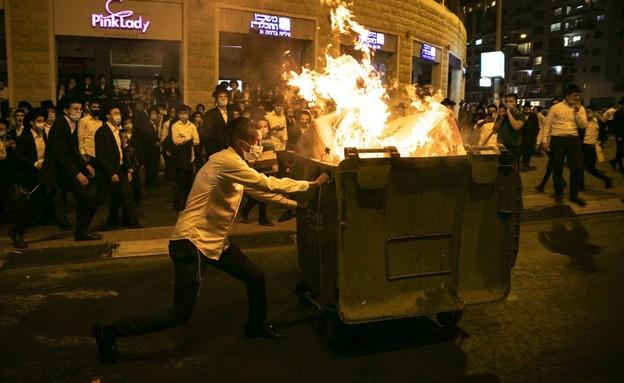 הפגנות נגד הסגר בשכונות החרדיות בירושלים (צילום: פיטוסי , פלאש 90)