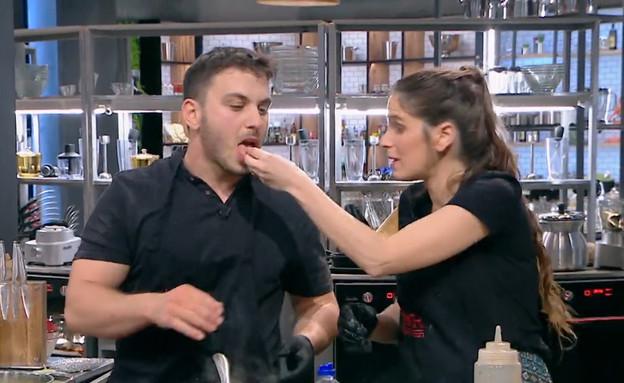 הזוגות מתחילים לצלחת את המנות  (צילום: MKR המטבח המנצח, קשת 12)