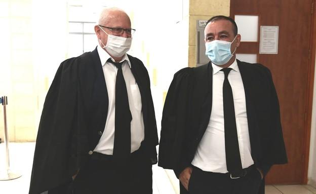 פרקליטי נתניהו (צילום: ראובן קסטרו, החדשות12)