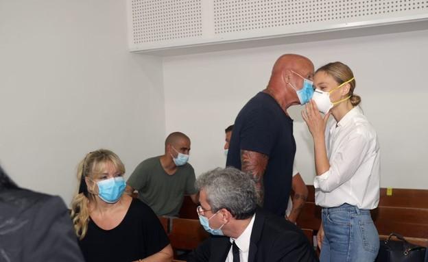 משפחת רפאלי בבית המשפט (צילום: יריב כץ, החדשות 12)