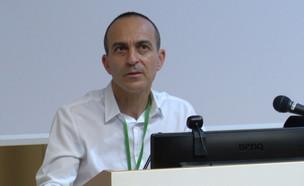 פרופסור רוני גמזו- הפרוייקטור החדש  (צילום: N12)