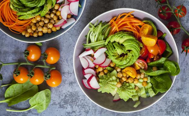 ארוחה טבעונית (צילום: Magdanatka, shutterstock)