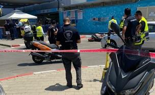 """זירת התאונה בה נהרג רוכב האופנוע בתל אביב  (צילום: דוברות זק""""א)"""