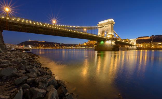 גשר השרשראות (צילום: Luigi Paesano)