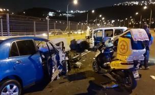 """זירת התאונה, כביש 1 (צילום: ישי לוי, תיעוד מבצעי מד""""א)"""