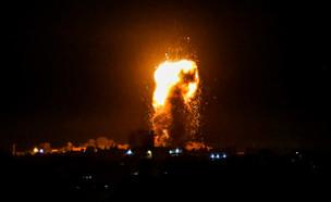 """צה""""ל תוקף מטרות ברצועת עזה לאחר ירי הרקטה לדרום (צילום: רחים קטיב, פלאש 90)"""