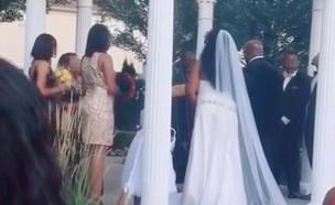 התפרצה לחתונה ואמרה שהיא בהריון (צילום: tiktok)