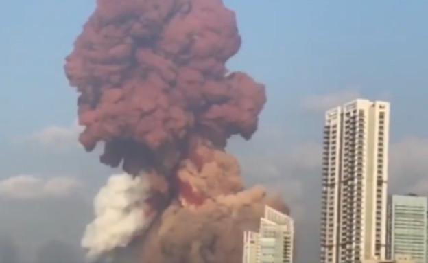 פיצוץ עז בביירות (צילום: Мировые новости, twitter)