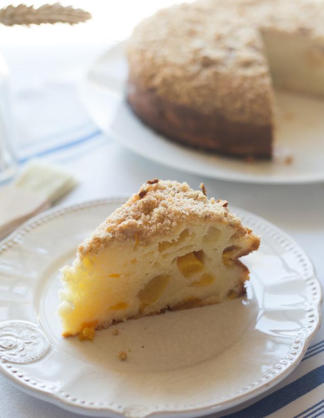 עוגת גבינה ופירות בחושה - פרוסה