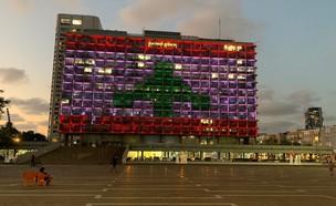 דגל לבנון כאות תמיכה בתל אביב (צילום: N12)