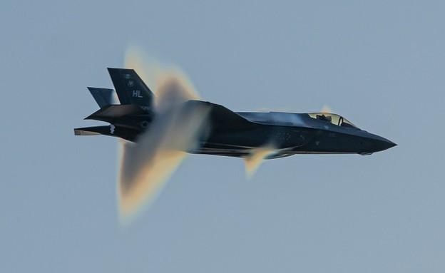 החמקן (צילום: Capt. Kip Sumner/U.S. Air Force)