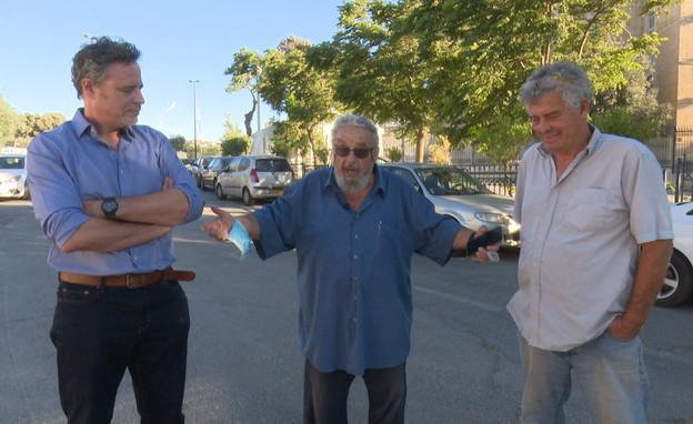 רוצחו של אמיל גרינצוייג מדבר לאחר שחרורו מהכלא (צילום: החדשות 12)