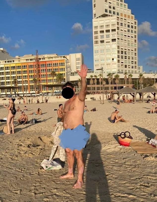 גבר בחוף בוגרשוב (צילום:  )