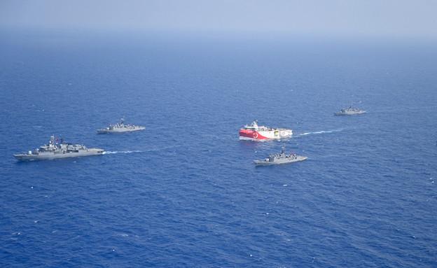 ספינת המחקר של טורקיה, אורוק רייס (צילום: AP)