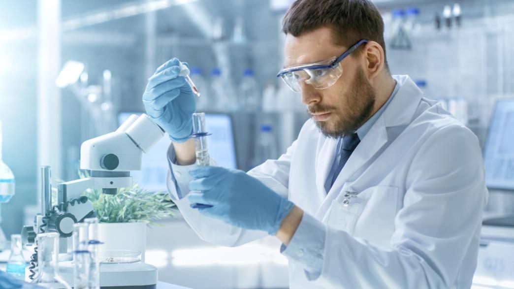 מדען (צילום: Gorodenkoff, shutterstock)