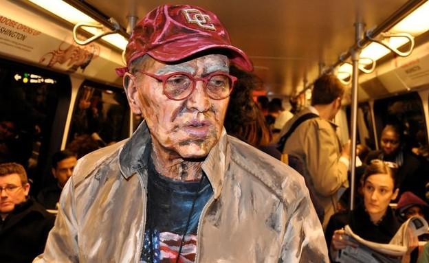 איש הסאבוואי (צילום: alexameadeart, instagram)