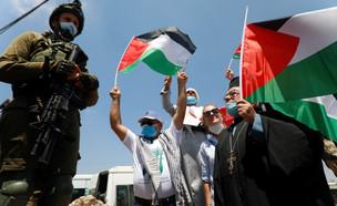 הפגנות הפלסטינים נגד ההסכם עם האמירויות (צילום: רויטרס)