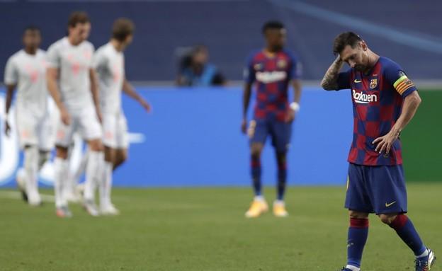 ליאונל מסי מאוכזב מול באיירן מינכן (צילום: AP)