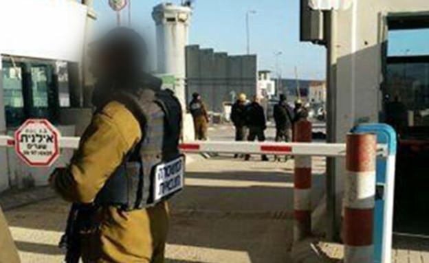 מחסום קלנדיה, למצולמים אין קשר לנאמר (צילום: מדברים תקשורת, חדשות)