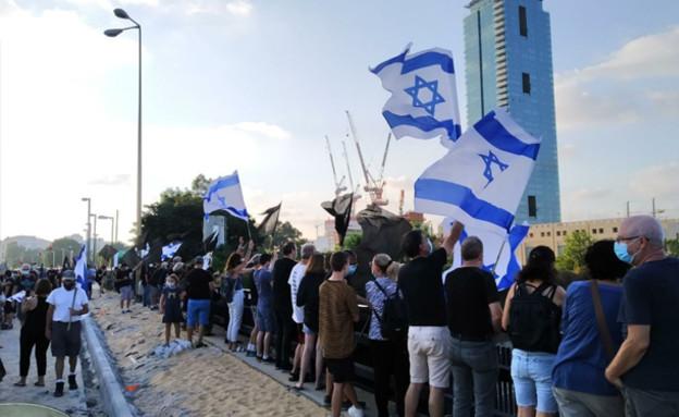 הפגנות נגד נתניהו (צילום: מחאת הדגלים השחורים)