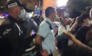 אלימות שוטרים בהפגנה