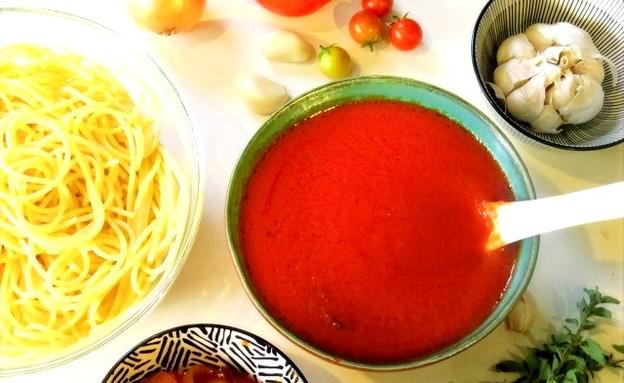 רוטב עגבניות  (צילום: שרון ברקוביץ', ברקו מייד)