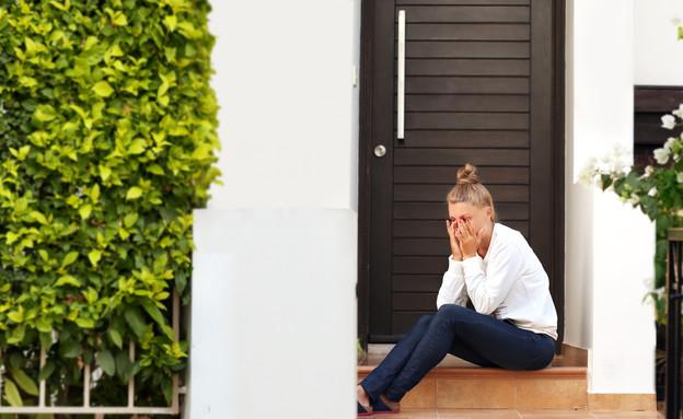 אישה בוכה (צילום: LADO | shutterstock)
