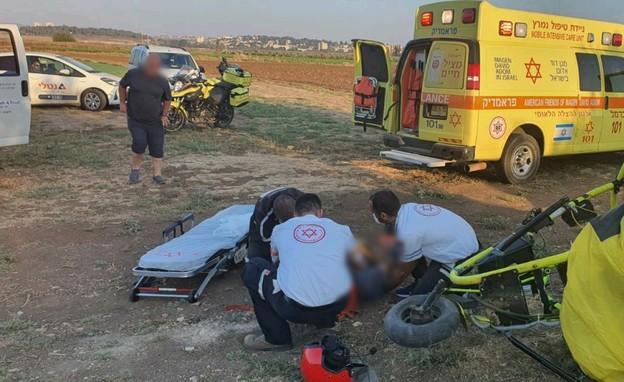 """טרקטורון ממונע התרסק במנחת בכפר ביאליק (צילום: תיעוד מבצעי מד""""א)"""