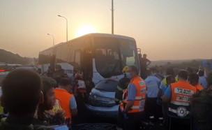 """תאונה בכביש 55 (צילום: מד""""א)"""