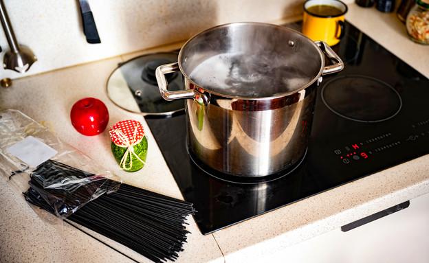 מטבח, כיריים חשמליות (צילום:  hsunny, Shutterstock)