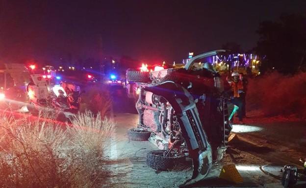 זירת התאונה בבאר שבע (צילום: תיעוד מבצעי כבאות והצלה)