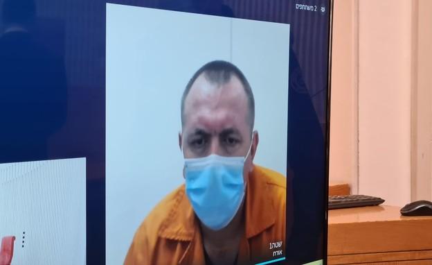זדורוב בבית משפט (צילום: החדשות 12)
