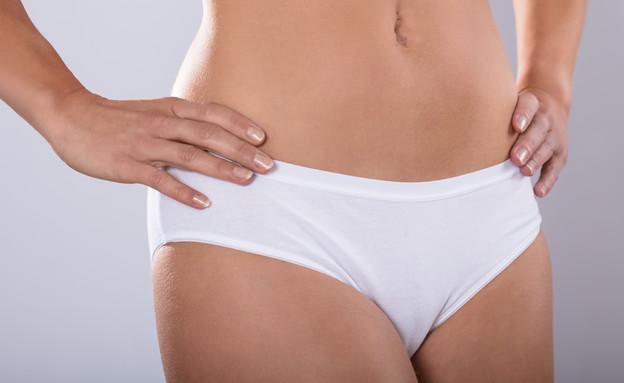 תחתונים לבנים של אישה (צילום: shutterstock)