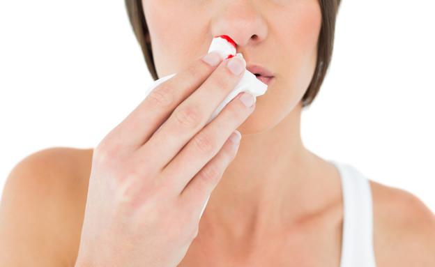 דימום מהאף (צילום:  lightwavemedia, shutterstock)