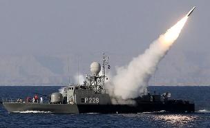 ירי טיל מספינה של איראן (צילום: AFP, GettyImages)
