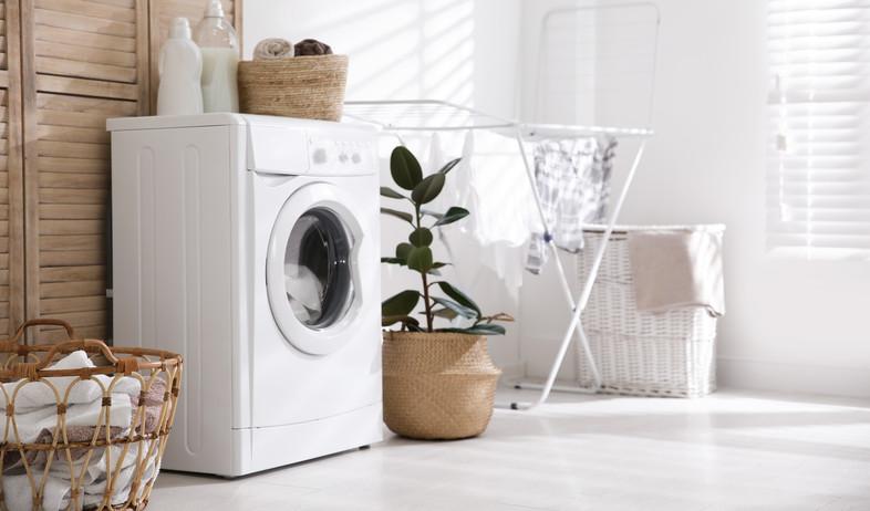 חדר כביסה, מכונת כביסה  (צילום:  New Africa, Shutterstock)