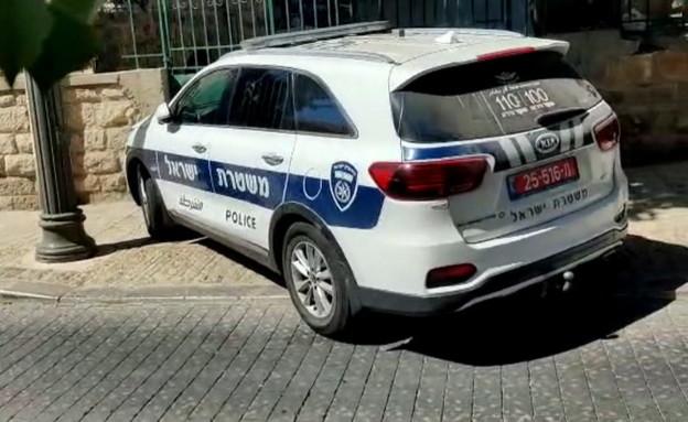 שוטרים הוזעקו למאה שערים בעקבות דיווח על תקיפה (צילום: מחאות החרדים הקיצוניים)
